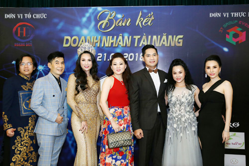HH Vicky Đinh Hương Giang ngồi 'ghế nóng' Doanh nhân tài năng