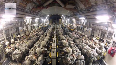 siêu máy bay vận tải Mỹ C17 thả cả trăm lính dù đổ bộ mục tiêu