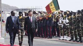 Mỹ lơ đễnh, Trung Quốc lập tức xích gần châu Phi