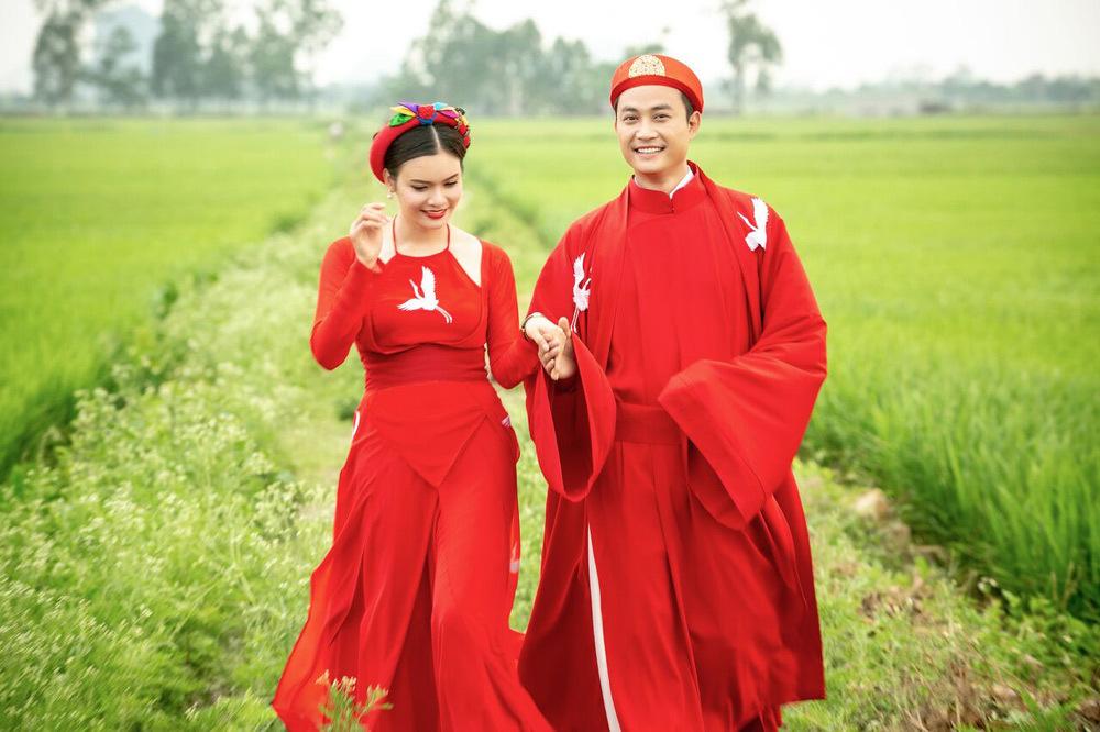 Phạm Phương Thảo được 'trai trẻ' Tiến Lộc cầu hôn giữa cánh đồng