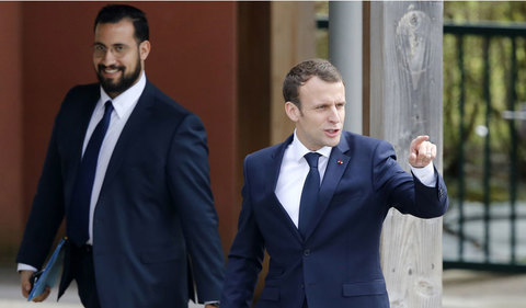 Tổng thống Phápvạ lây vì bê bối của vệ sĩ