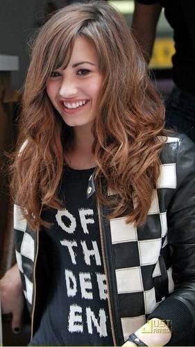Quá khứ ngập trong ma túy của giọng ca tài năng Demi Lovato