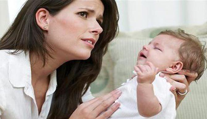 Cách xử lý khi trẻ bị sặc sữa