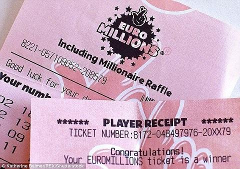 Một người Anh may mắn trúng xổ số hơn 1.770 tỷ