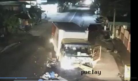 Vụ tai nạn lúc 2 giờ sáng khiến người ta rùng mình khi xem lại camera