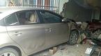 Nữ tài xế phi ô tô thẳng vào nhà dân, 1 người chết