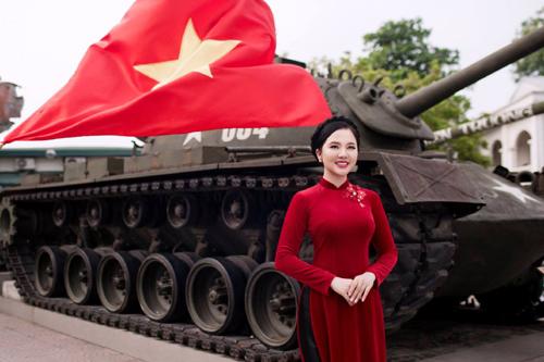 Xúc động nghe Phạm Thùy Dung hát 'Cúc ơi'