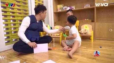 Trấn Thành mệt mỏi với cậu bé 'thánh hỏi'