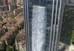 Cận cảnh thác nước nhân tạo cạnh tòa nhà ở Trung Quốc, ngốn 3 triệu đồng/tiếng để vận hành