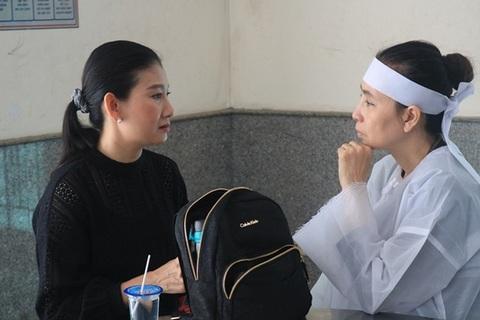 Nhiều nghệ sĩ chia buồn tại đám tang cố nghệ sĩ Thanh Hoàng