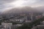 Xem bão cát 'nuốt chửng' cả thành phố trong phút chốc