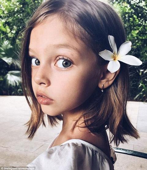 Ngắm bé gái xinh đẹp nhất thế giới