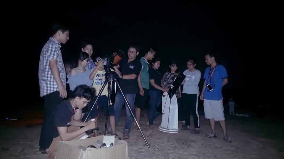 Cận cảnh mặt trăng 'bị nuốt' - nguyệt thực dài nhất thế kỷ ở Việt Nam