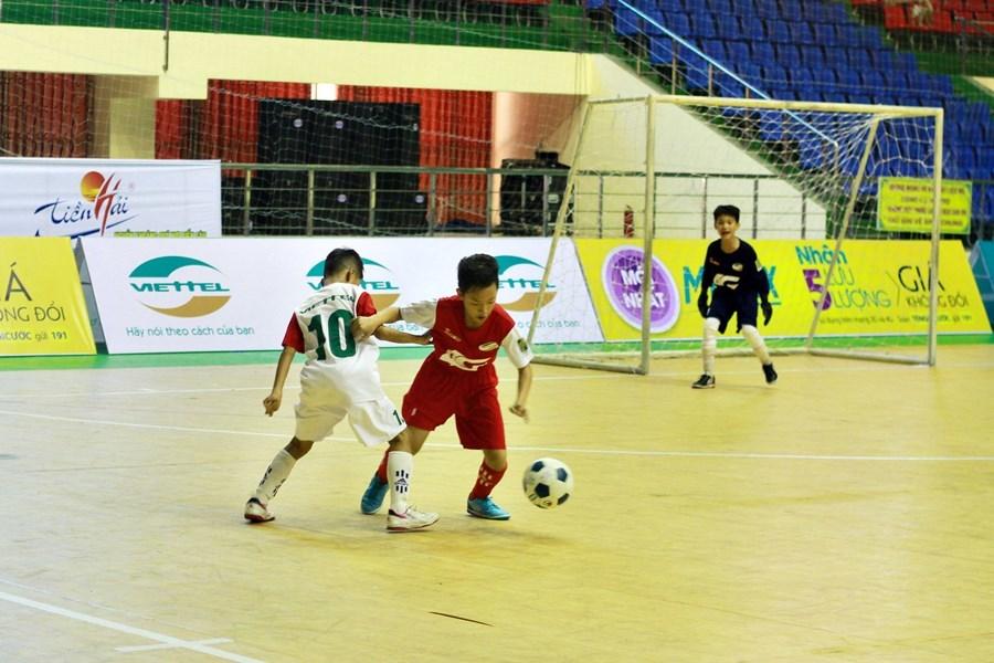 Xác định 8 đội vào tứ kết Giải bóng đá Nhi đồng toàn quốc 2018