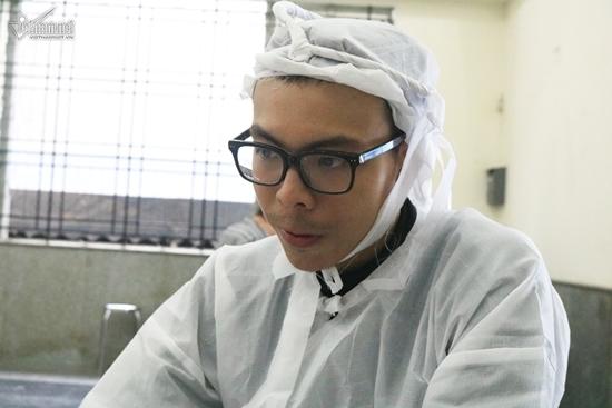 Con trai cả NSƯT Thanh Hoàng: 'Tôi muốn chạy về nhà ngay nhưng bất lực'