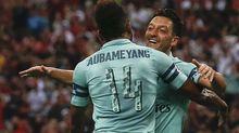 "Ozil và Lacazette tỏa sáng, Arsenal ""làm gỏi"" PSG"