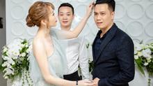 Quế Vân công khai cầm tay, vuốt tóc Việt Anh nơi đông người
