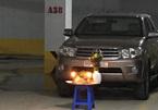 Bức ảnh dưới hầm xe tưởng bình thường hóa bất thường: Hành động quá nguy hiểm