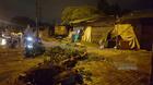 Hà Nội: Xe tải đâm đổ cả cây, cột điện lẫn tường nhà trong đêm