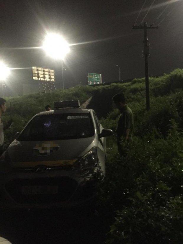 Tài xế taxi bị khách cứa cổ trong đêm ở Bắc Ninh