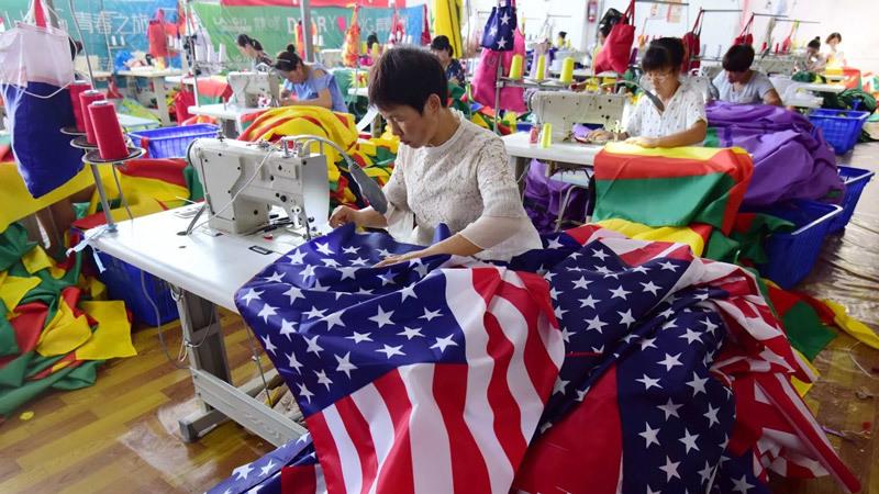 Mỹ công bố đòn trừng phạt thương mại mới với TQ
