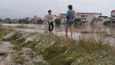 Hà Nội: Nước tràn qua đê ngập cả tuần, 2 chị em chết đuối thương tâm