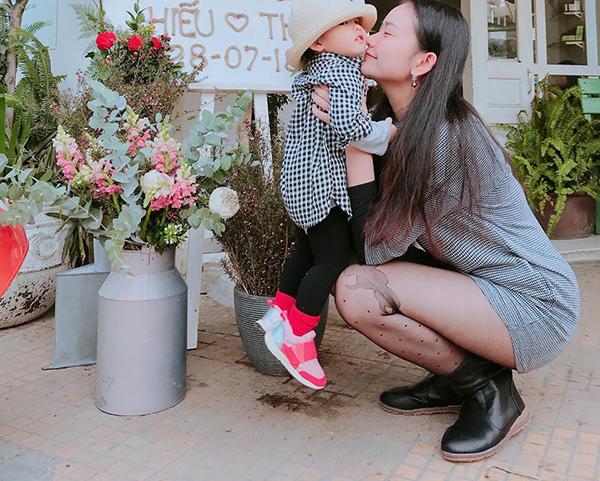 Thanh Lam tự hào khoe ảnh gia đình 3 thế hệ