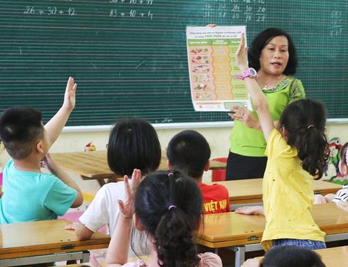 51 trường tiểu học Hòa Bình chuẩn hóa thực đơn bán trú