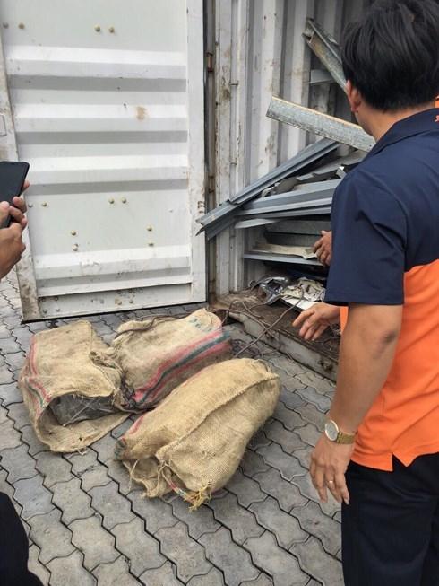Lộ thông tin bất ngờ 100 bánh cocain lọt vào container chuyển cho đại gia