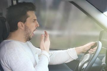 Chống buồn ngủ khi lái ô tô đêm: Mẹo truyền miệng của cánh tài xế