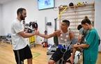 Higuain, Dybala tay bắt mặt mừng chào đón Ronaldo