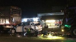 4 xe ô tô dồn toa nát bét, 1 người chết thảm