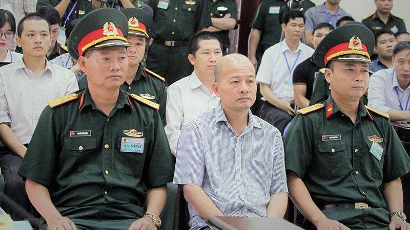 Út 'trọc' Đinh Ngọc Hệ bị đề nghị mức án 12-15 năm tù