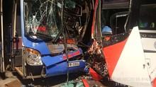 Lại tai nạn ở Quảng Nam, 2 xe giường nằm đối đầu vỡ nát