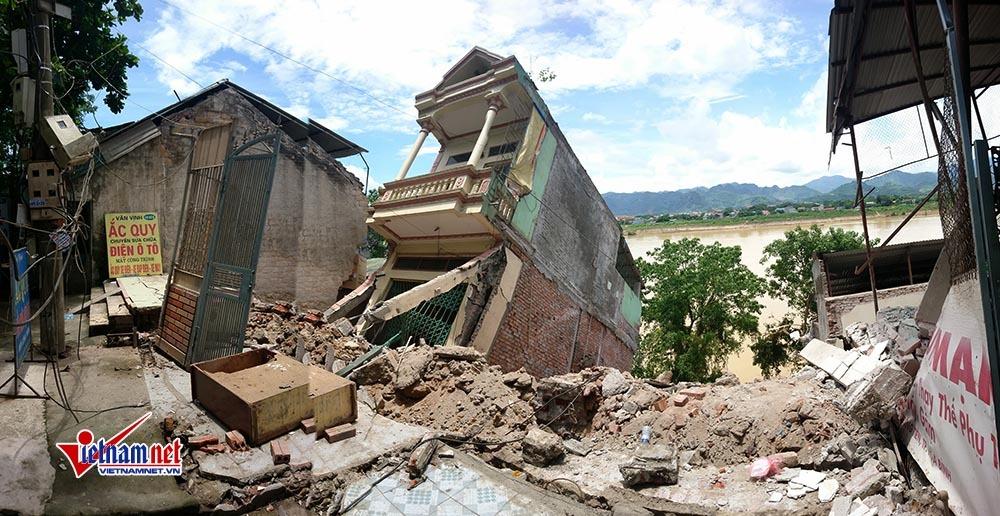 Nhà đổ nhào xuống sông Đà, nợ tiền tỉ ụp vào đầu