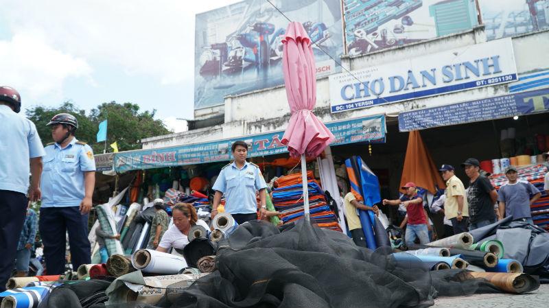 Tiểu thương Sài Gòn nháo nhào khi ông Đoàn Ngọc Hải 'tái xuất' dẹp vỉa hè