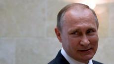 Putin vô tình đi quảng cáo