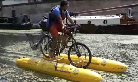 Xe đạp trên nước, giải pháp cho mùa mưa bão ở nước ta?