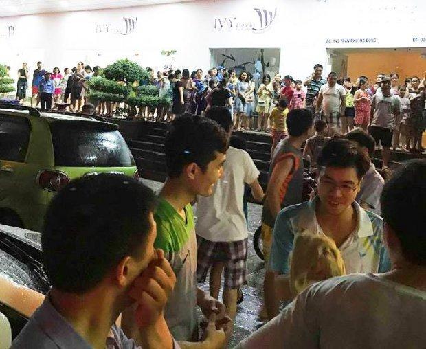 Hà Nội: Cháy ở tòa nhà 37 tầng, dân rầm rập tháo chạy