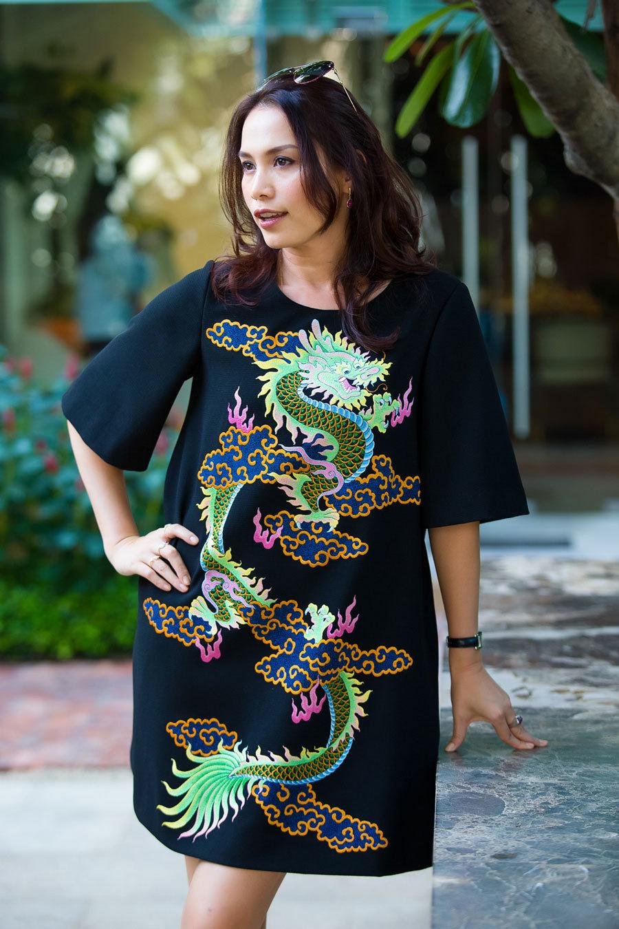 Hoa hậu Ngọc Khánh đẹp quý phái ở tuổi 42