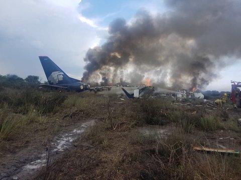 Máy bay chở 101 người bị tai nạn, tất cả sống sót