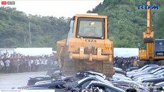 Nghiền nát siêu xe Lamborghini và lô xe 70 chiếc nhập lậu gần 4 triệu USD