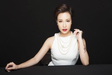Uyên Linh hội ngộ khán giả Hà Nội, 'phiêu' trong đêm nhạc kịch