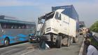 Tông xe nát bươm trên cao tốc Long Thành, giao thông tắc nghiêm trọng