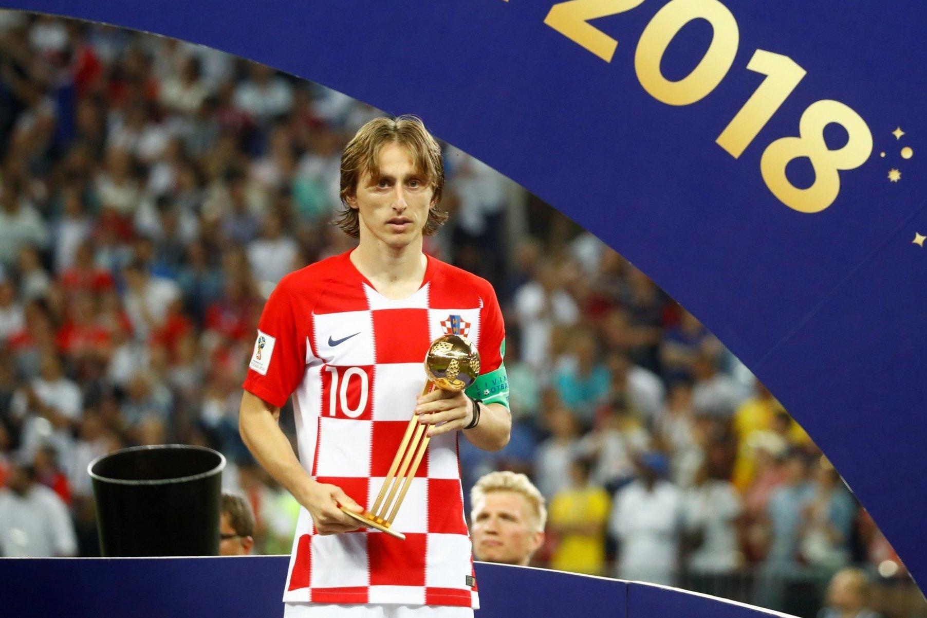 MU đón sao Bỉ, Modric bỏ Real theo Inter