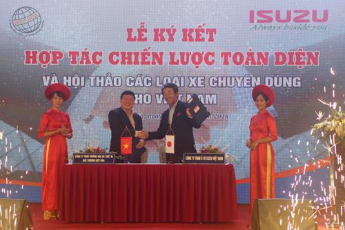 ISUZU Việt Nam 'bắt tay' Hiệp Hòa sản xuất xe chuyên dùng