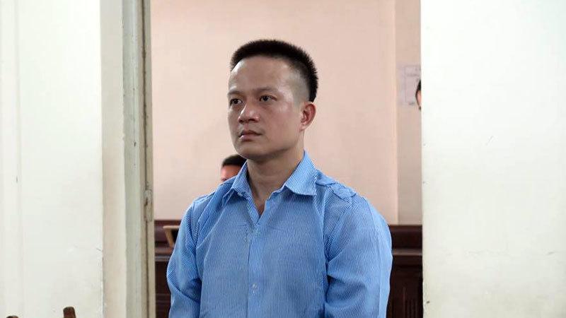 Hà Nội: Gã đàn ông đâm chết bạn trai của vợ cũ