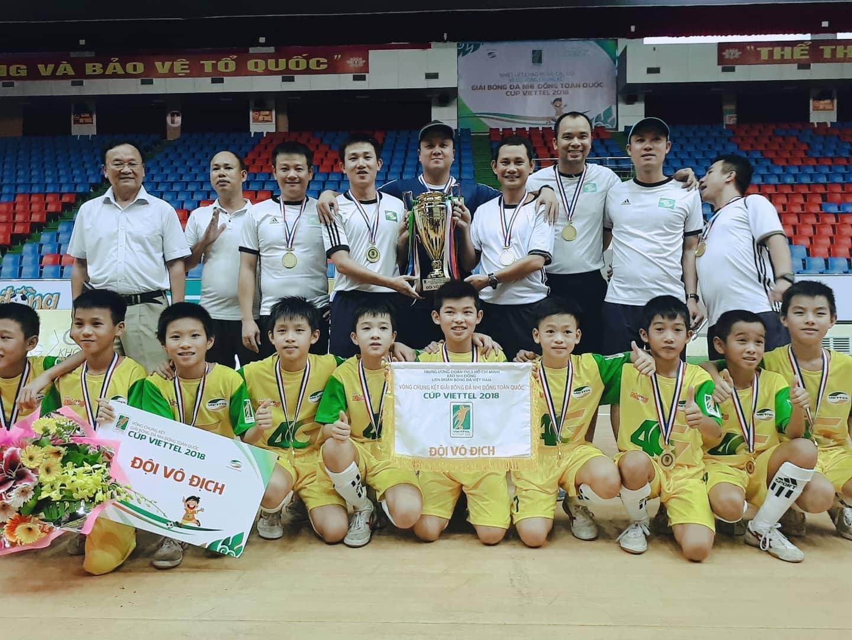 Văn Quyến giúp SLNA bảo vệ thành công chức vô địch U11 QG
