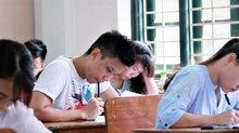 Học sinh căng thẳng do áp lực thi cử, học hành