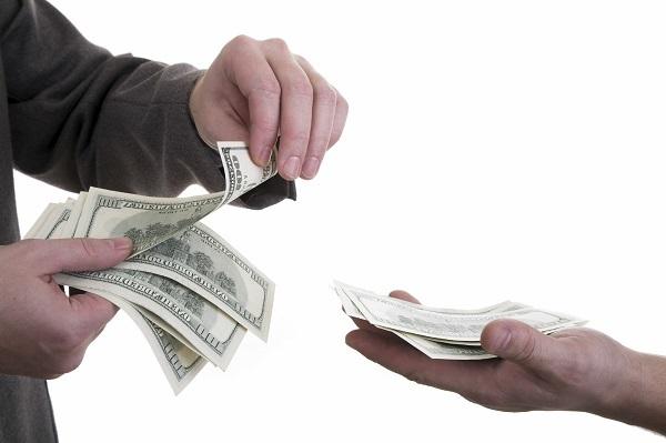 Bị 'bùng' tiền cho vay, muốn đòi lại thì... mất lãi